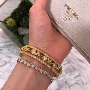 SWAROVSKI 💎 Crystal Gold Bangel Snap Bracelet